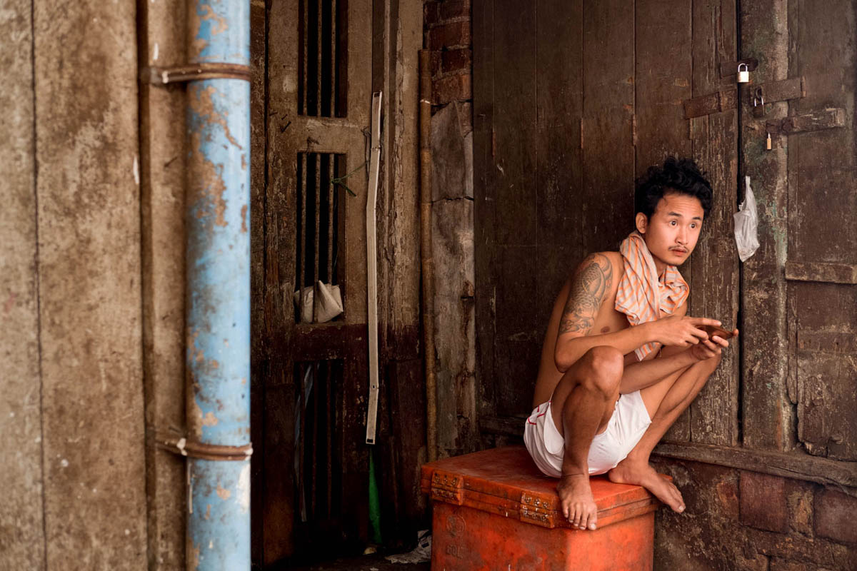 009_yangon_myanmar_street_photography_workshop_nicolas_st_pierre