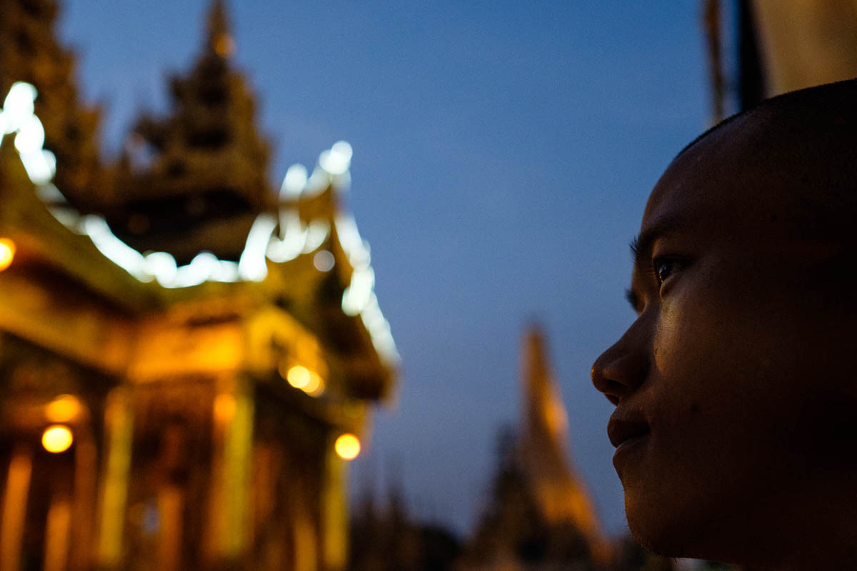 011_yangon_myanmar_street_photography_workshop_nicolas_st_pierre_schwedagon_pagoda