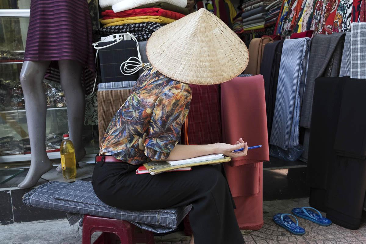 vietnam_hanoi_street_photography_linda_jerkin_002