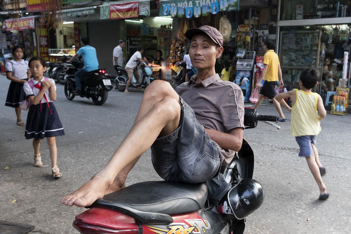 vietnam_hanoi_street_photography_linda_jerkin_004