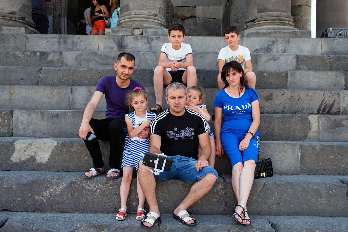 armenia_garni_temple_greek_tourism_tourists_family_selfie