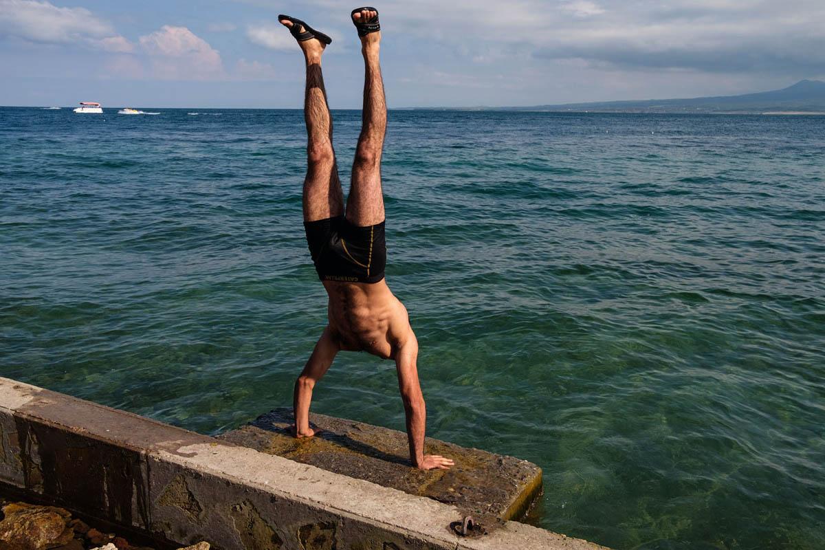 armenia_sevan_lake_holidays_vacation_fit_fitness_man_lake_water_summer