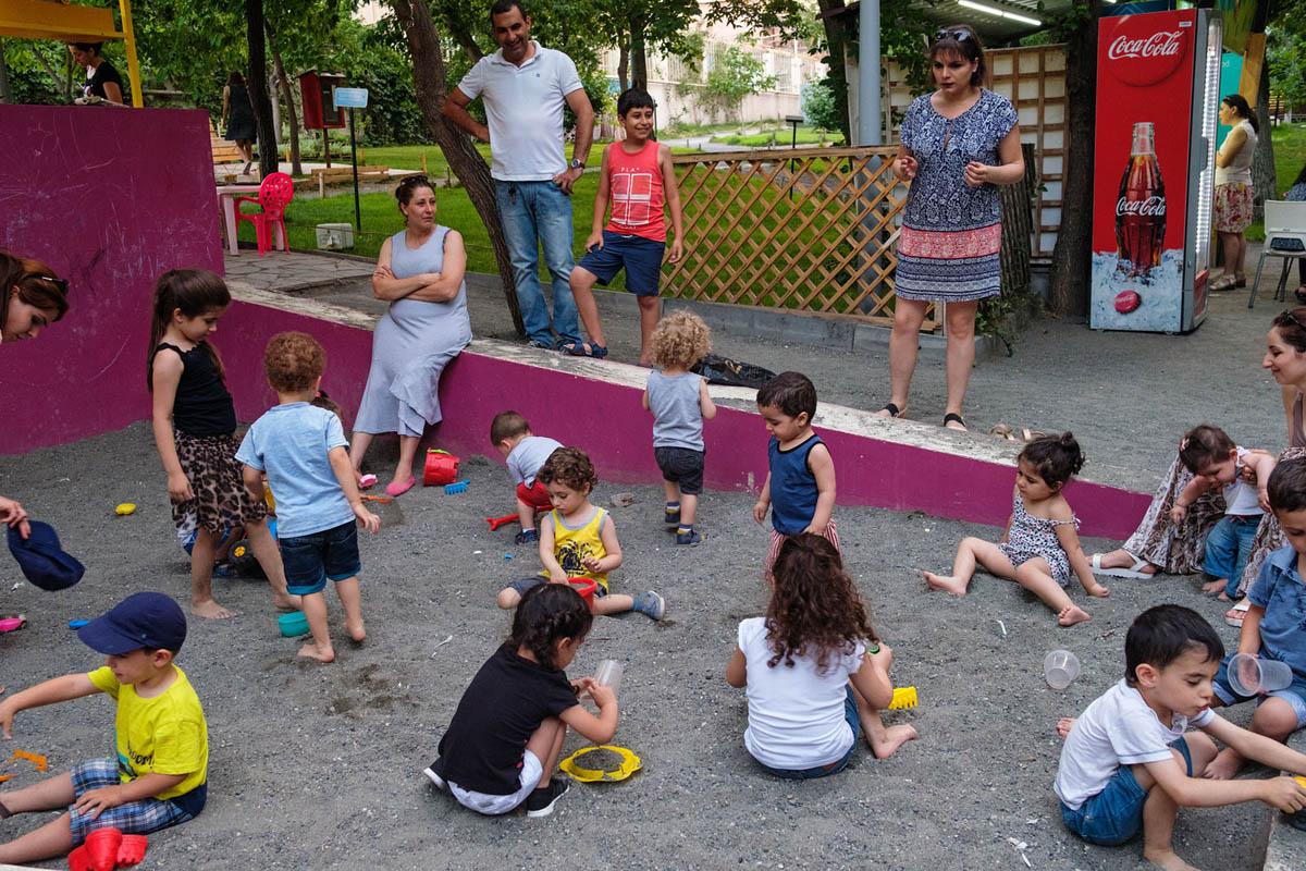 armenia_yerevan_city_park_people_children_women_playground_street_photography