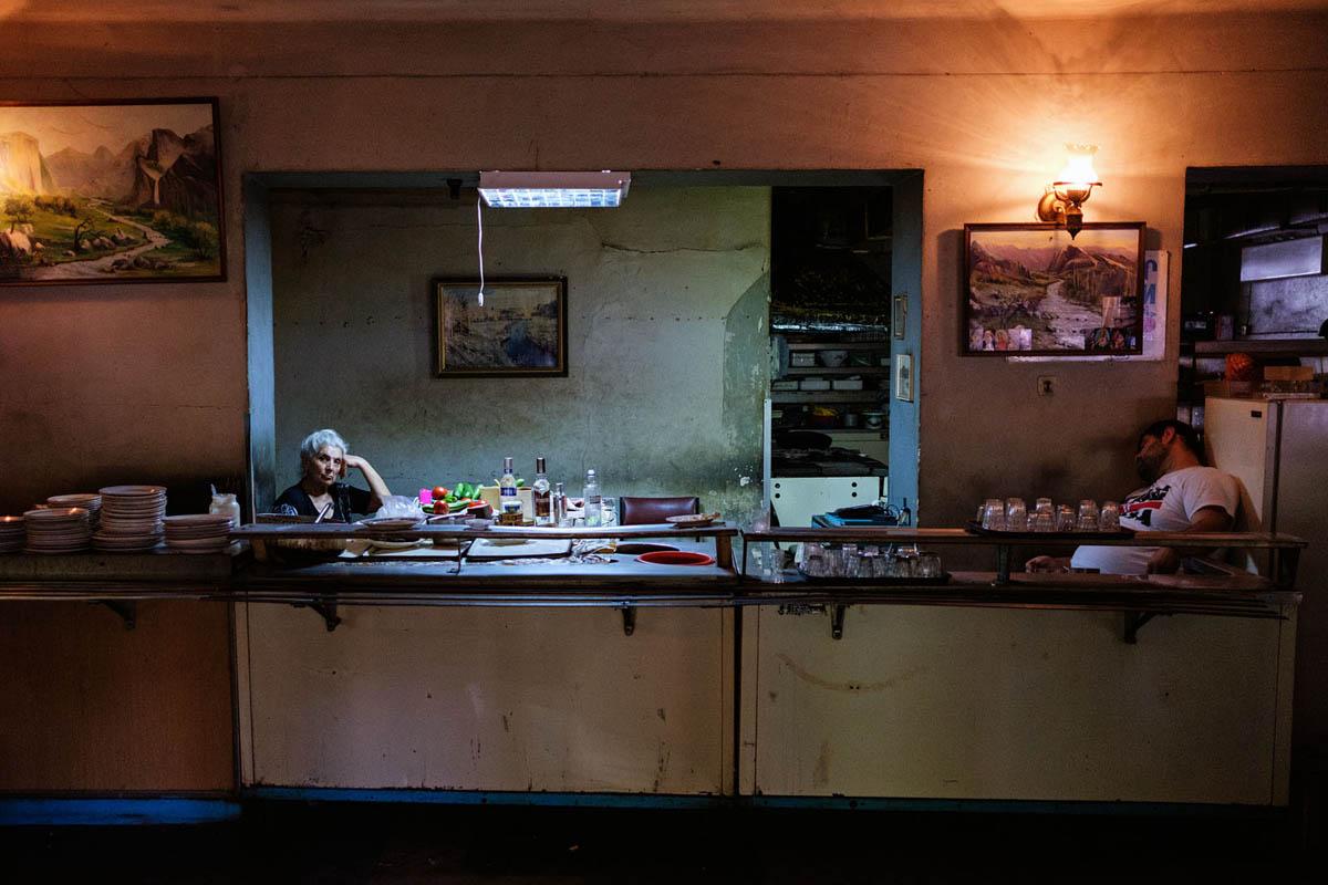 armenia_yerevan_city_restaurant_interior