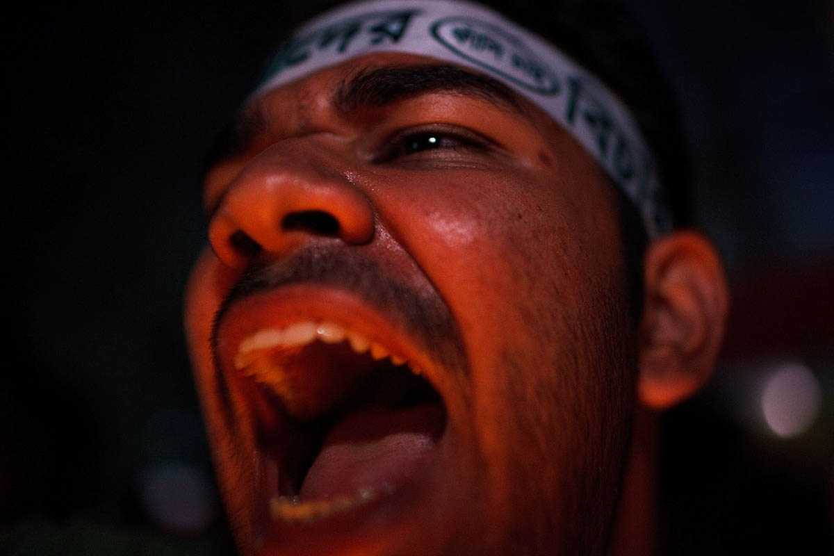 bangladesh_dhaka_shahbagh_Shahbag_deomonstration_protest_rally_protester_night_portrait_8jpg