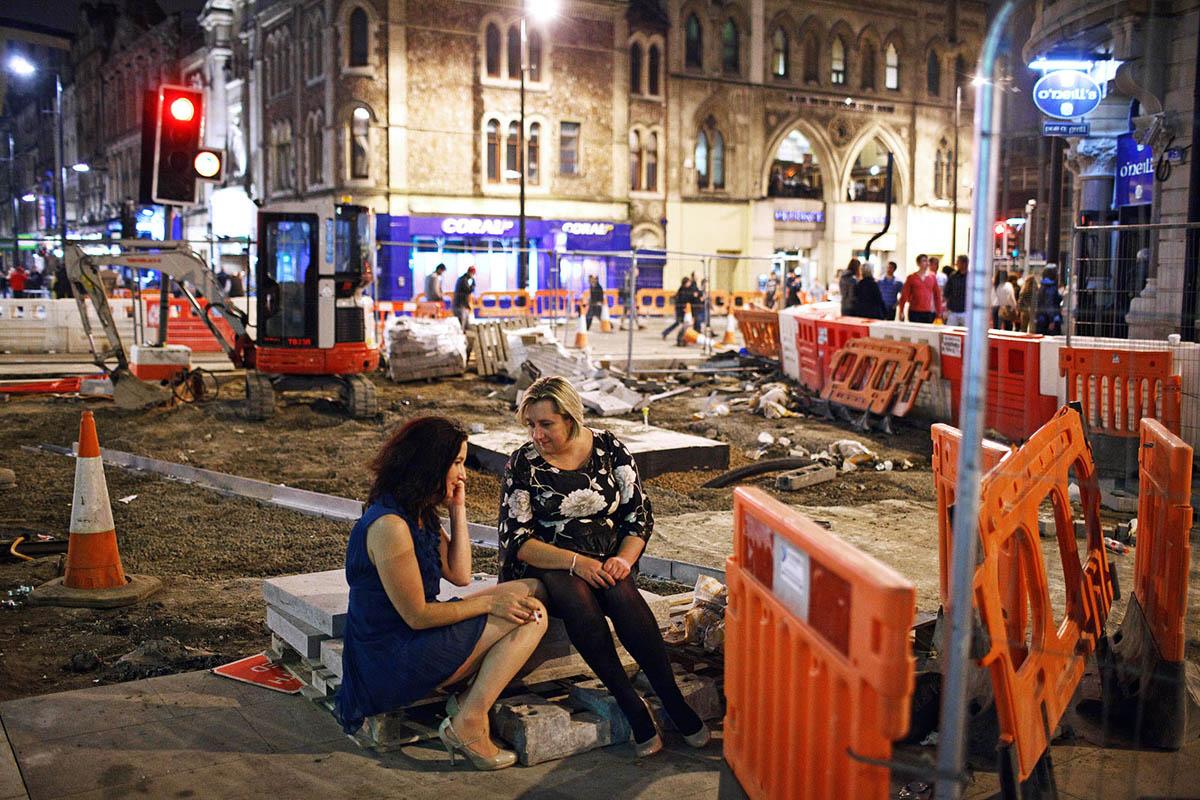 maciej_dakowicz_cardiff_after_dark_road_construction_night
