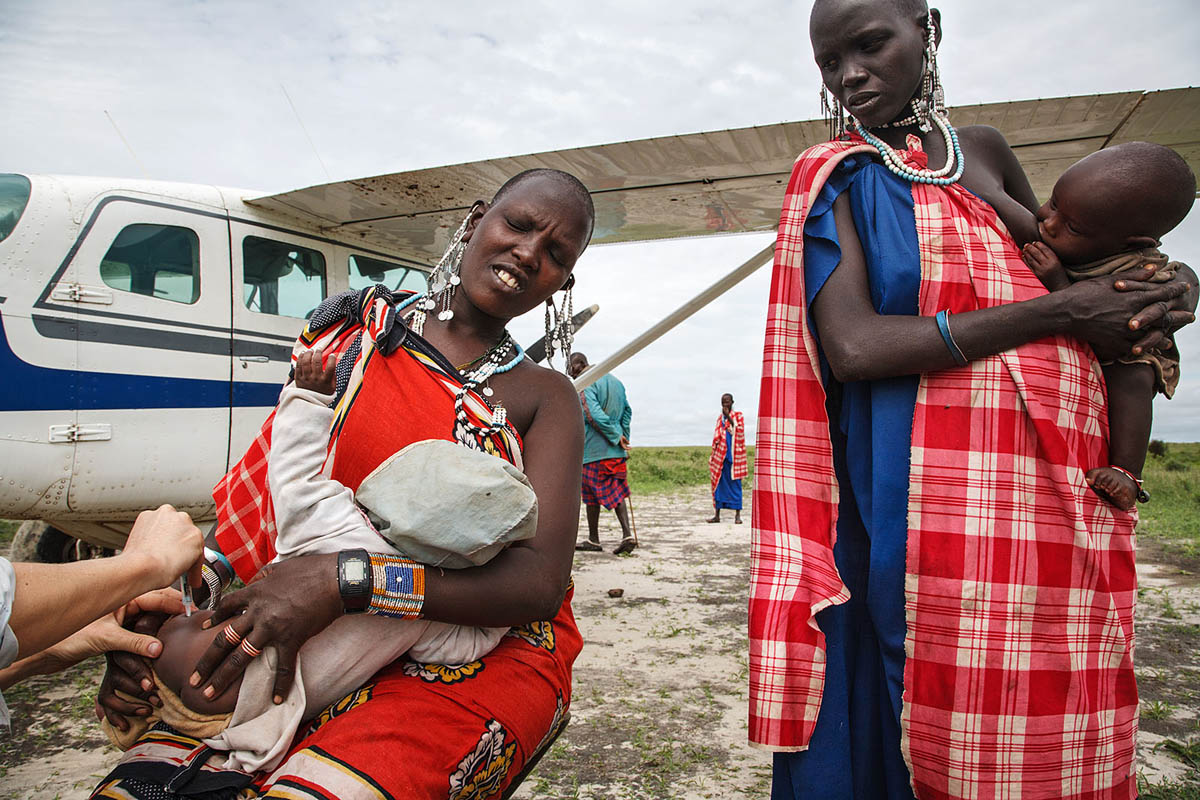africa_tanzania_maasai_health_vaccination_immunisation_ngo_women_family_children