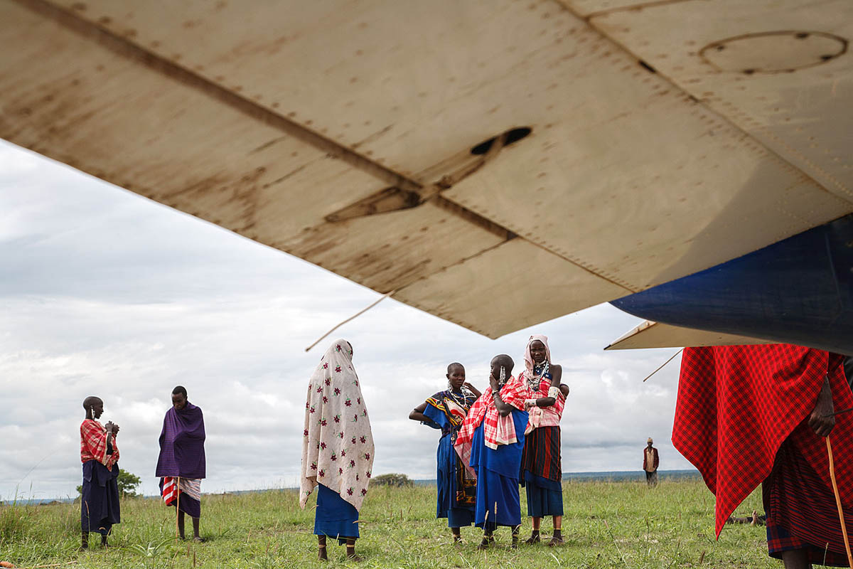 africa_tanzania_maasai_people_tribe_airplane_ngo