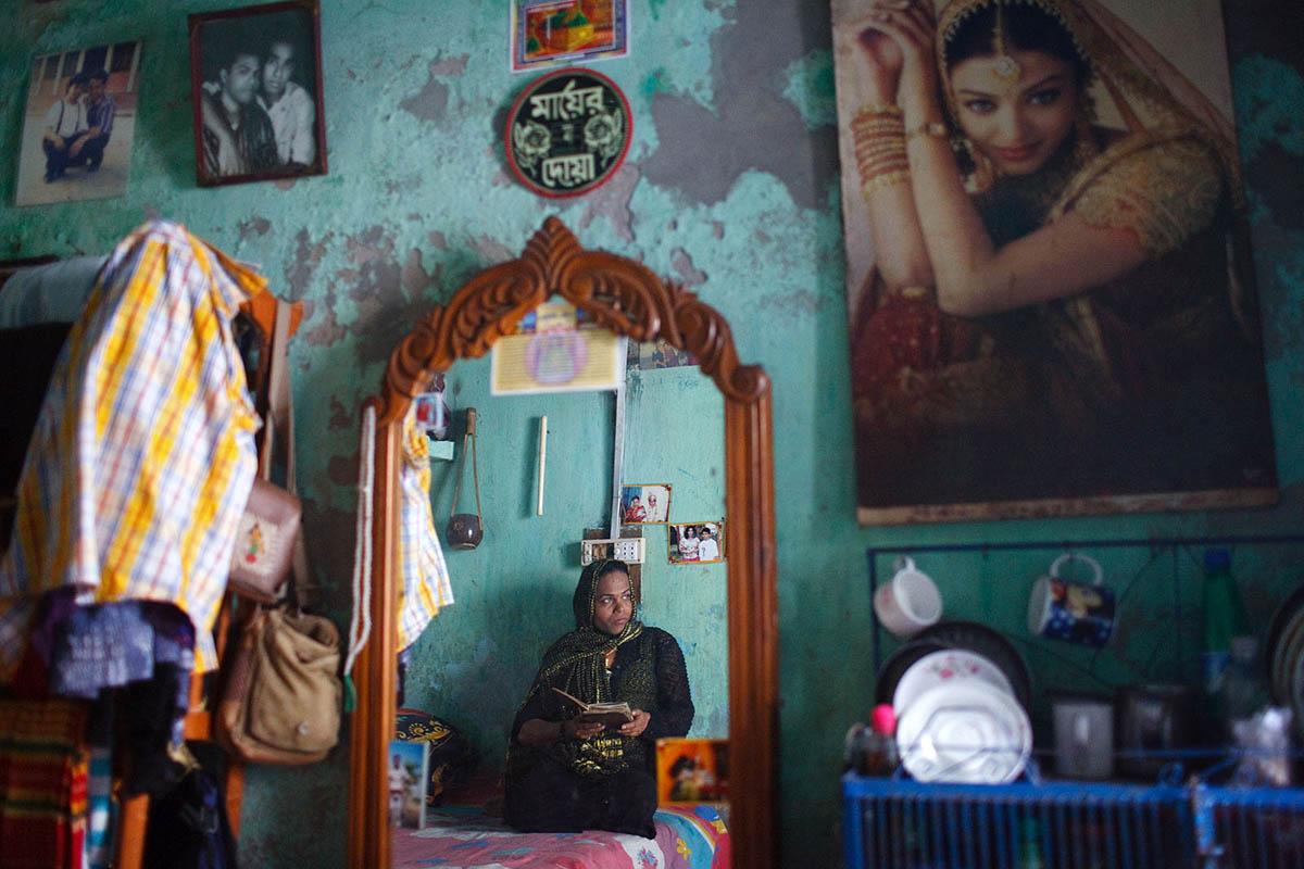 bangladesh_chittagong_Hijra_shemale_transgender_ngo_documentary_photojournalism_islam_muslim