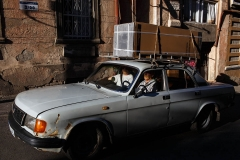 georgia_tbilisi_old_city_car_volga