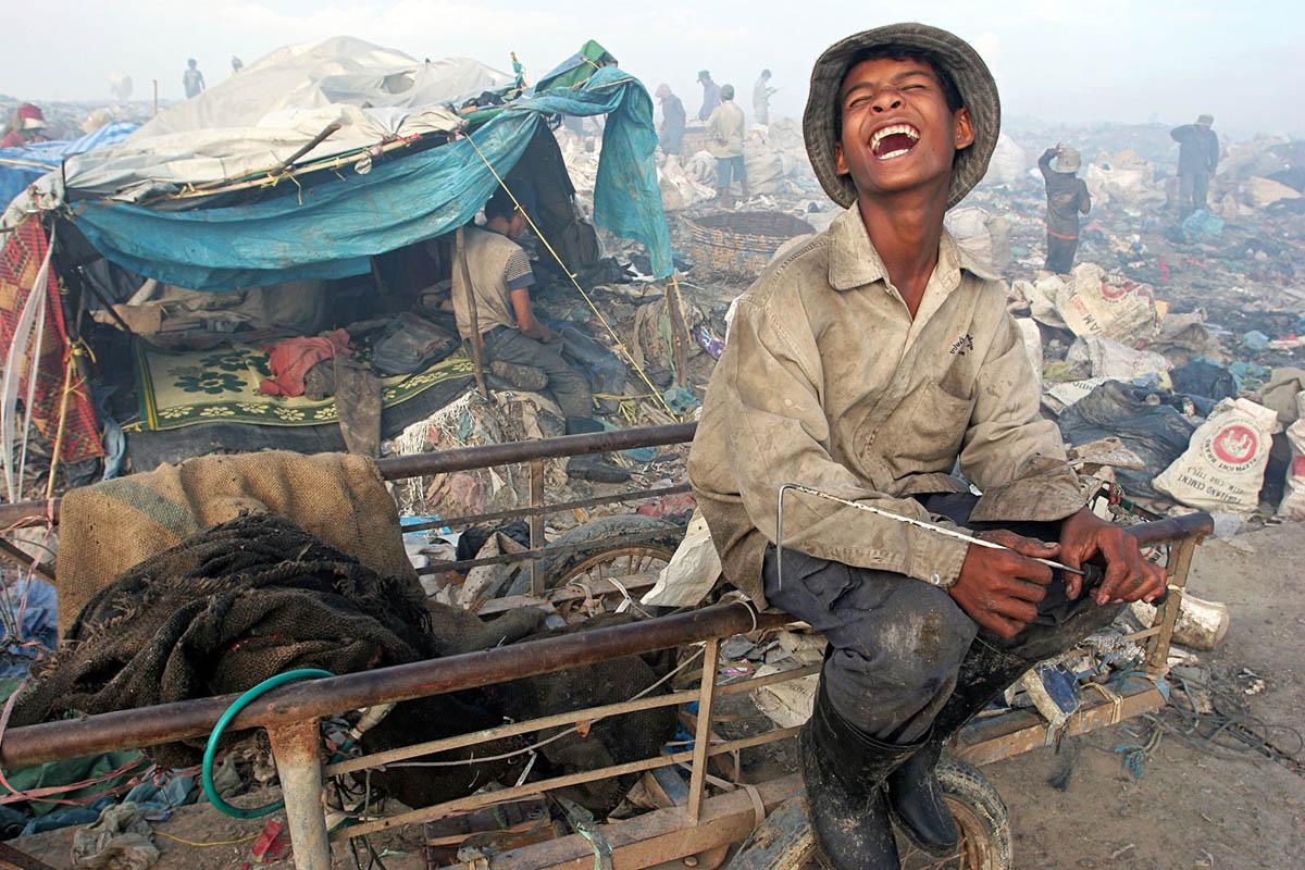 asia_cambodia_phnom_penh_stung_meanchey_garbage_dump_landfill_waste_rubbish_environment_portrait_emotions