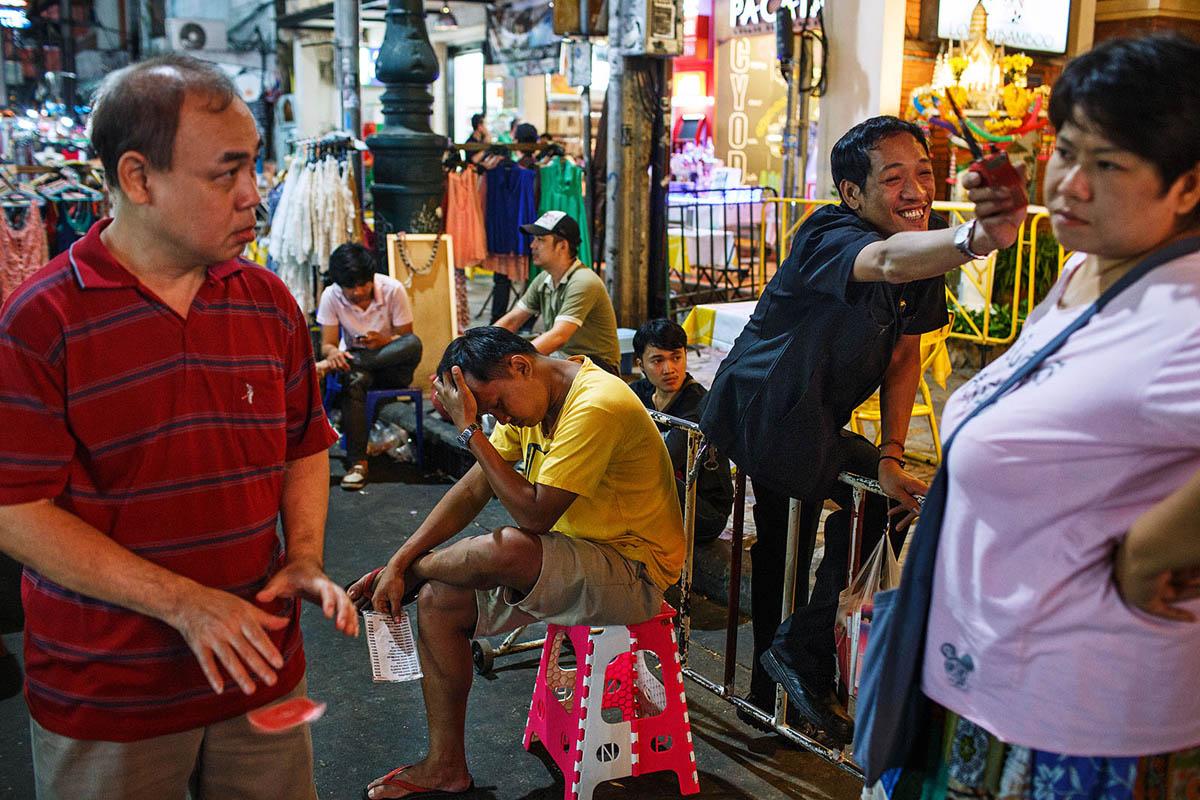 Thailand Bangkok Banglamphu Night Nightlife Tourism Vendors Selling Magic Trick