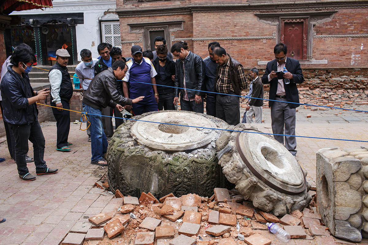 nepal_kathmandu_durbar_square_earthquake_april_2015_disaster_damage_column