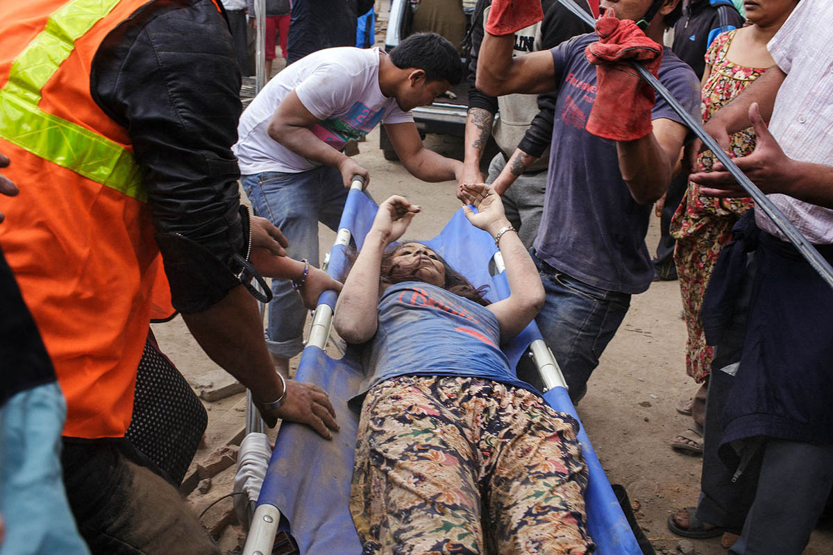 nepal_kathmandu_earthquake_victim_rescue_aid_help_emergency_health