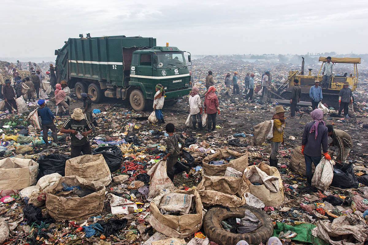 cambodia_phonm_penh_stung_meanchey_garbage_dump_waste_poverty_poor_work_labour_environment_pollution_landfill_view