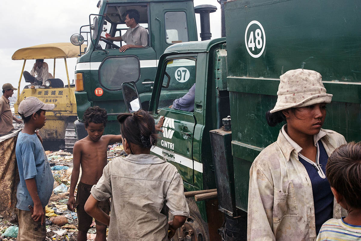 cambodia_phonm_penh_stung_meanchey_garbage_dump_waste_poverty_poor_work_labour_environment_pollution_people