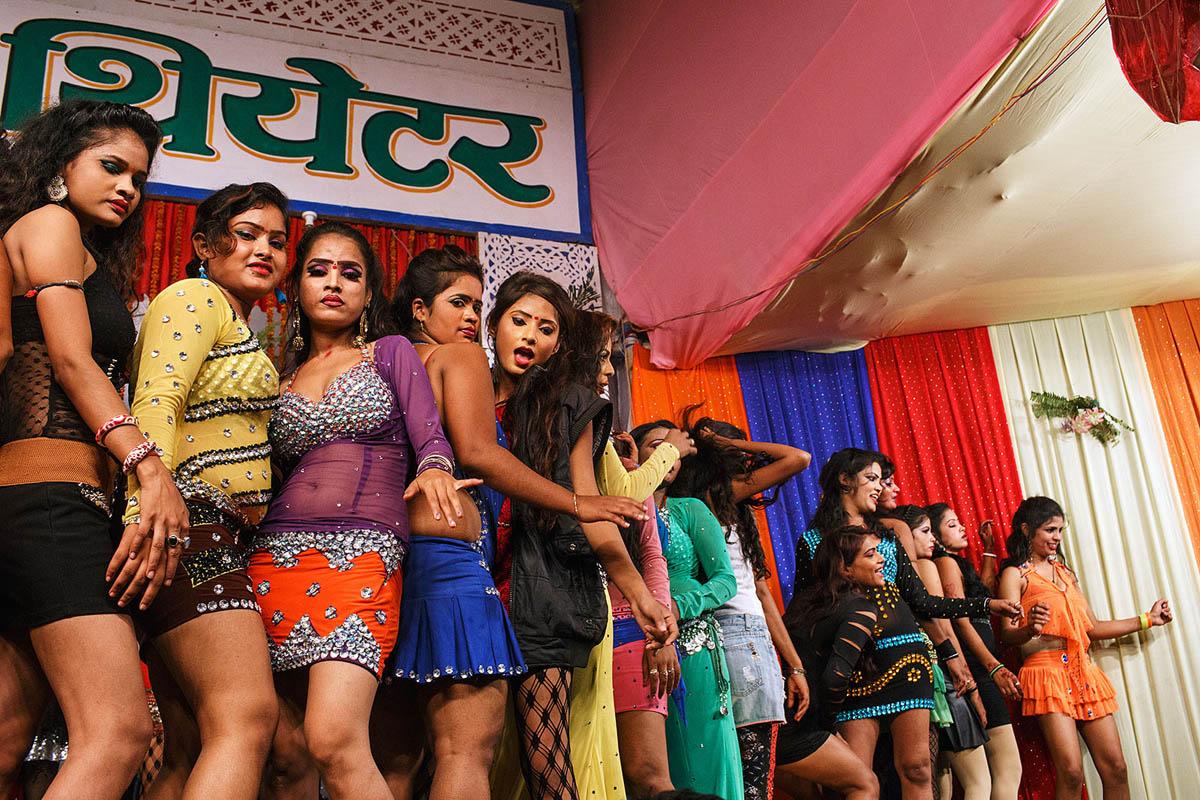 Dance shows at Sonepur Mela