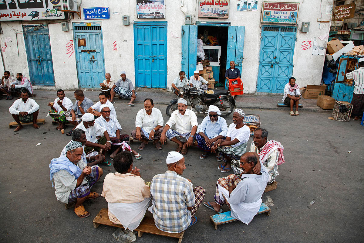 yemen_arabia_al_mukalla_city_people