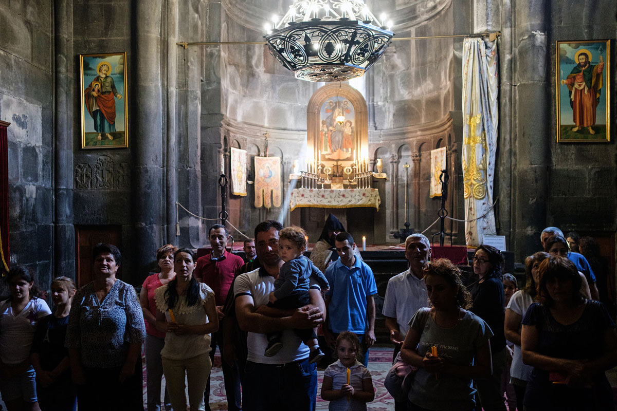 armenia_orthodox_geghard_monastery_church_prayer_ceremony_religion_faith