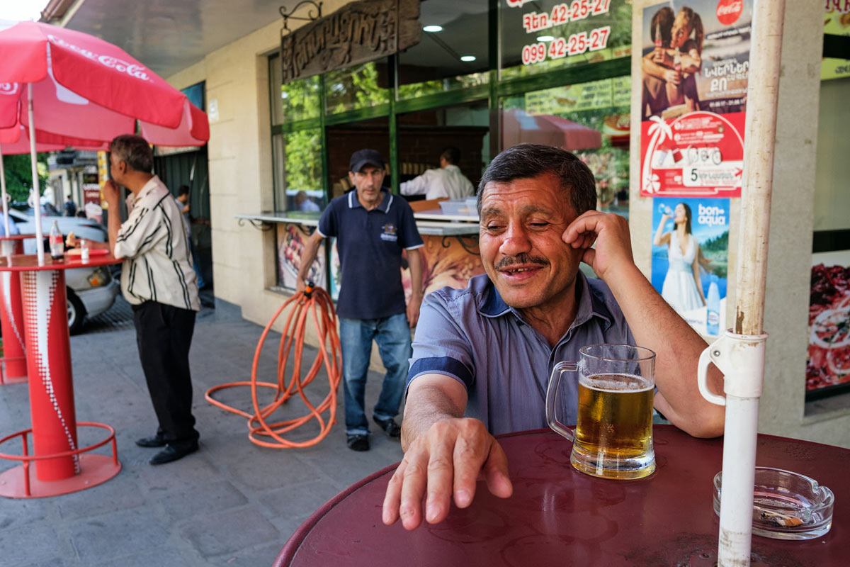 armenia_yerevan_city_people_street_bar_beer_alcohol_drinking