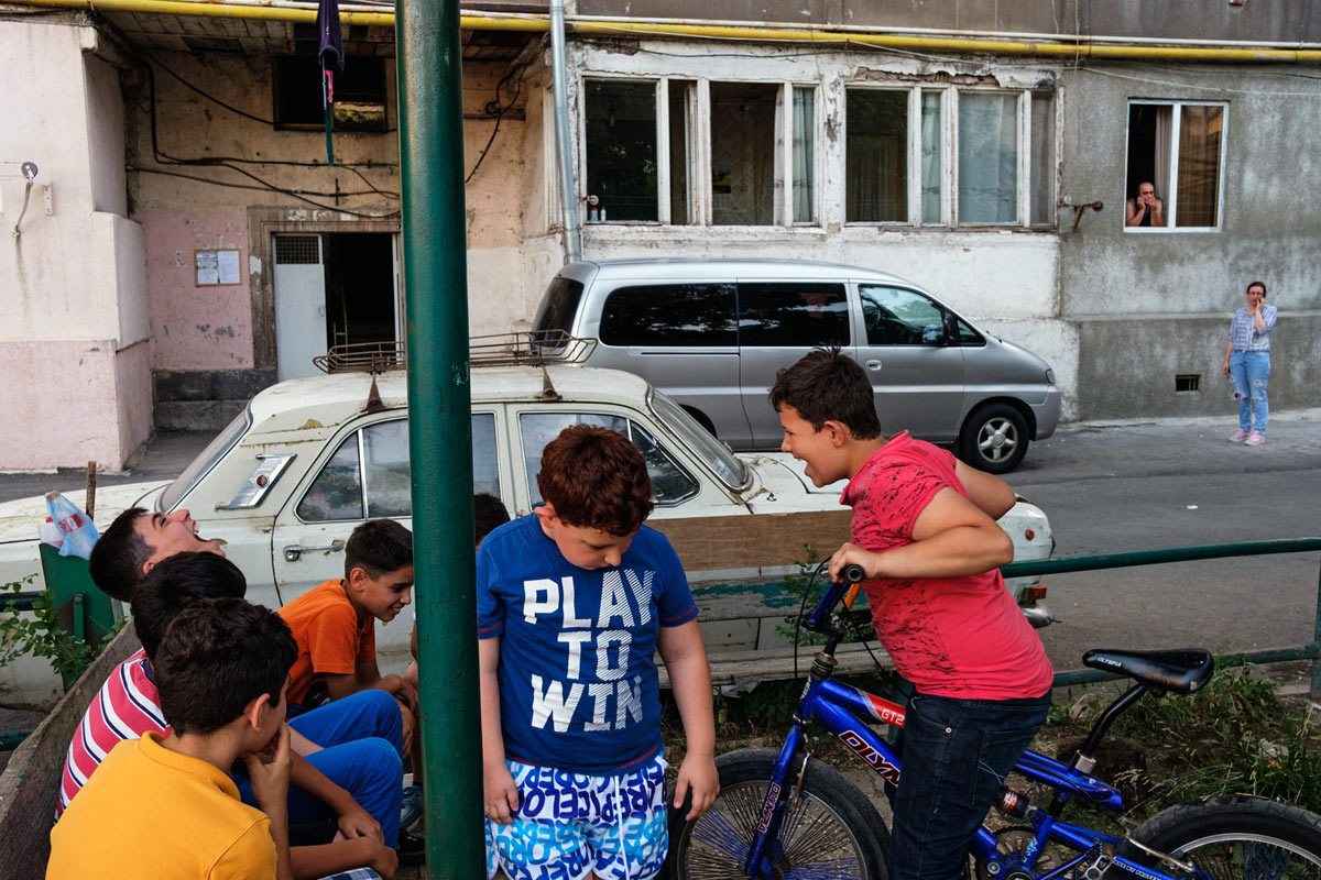 armenia_yerevan_city_people_street_children_boys_residential
