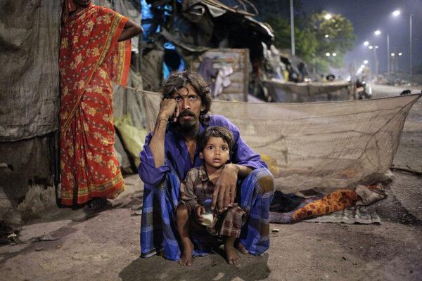 asia_india_kolkata_ngo_hope_foundation_children_homeless_family.jpg