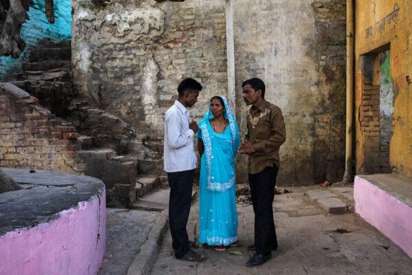 india_varanasi_people_wedding_color_street_photography.jpg
