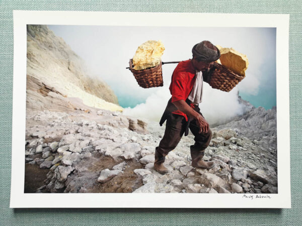 maciej_dakowicz_print_art_a4_heavy_load_kawah_ijen_indonesia_photo_01