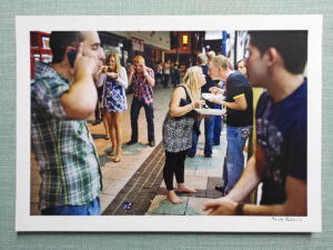 maciej_dakowicz_print_art_sale_a4_cardiff_after_dark_caroline_street_kiss_epson_photo_01