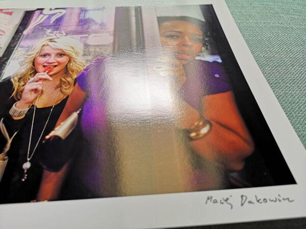 maciej_dakowicz_print_art_sale_a4_cardiff_after_dark_phonebooth_girls_epson_photo_02