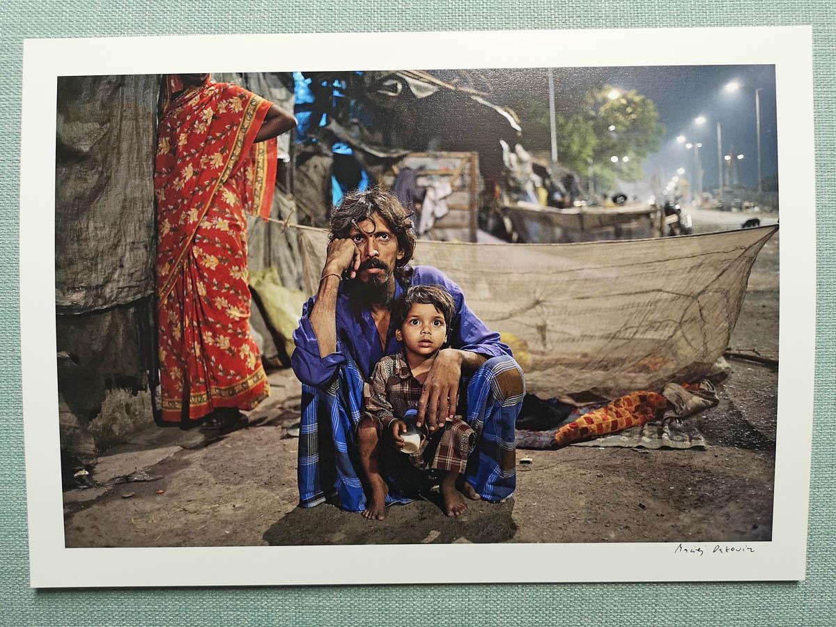 maciej_dakowicz_print_art_sale_a4_father_and_son_kolkata_india_photo_01.jpg