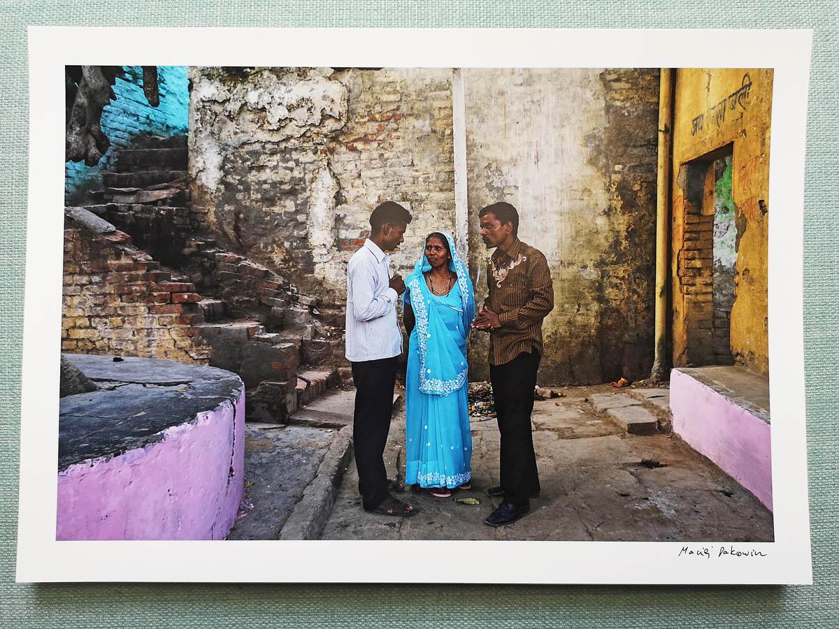 maciej_dakowicz_print_art_sale_a4_meeting_varanasi_india_photo_01.jpg