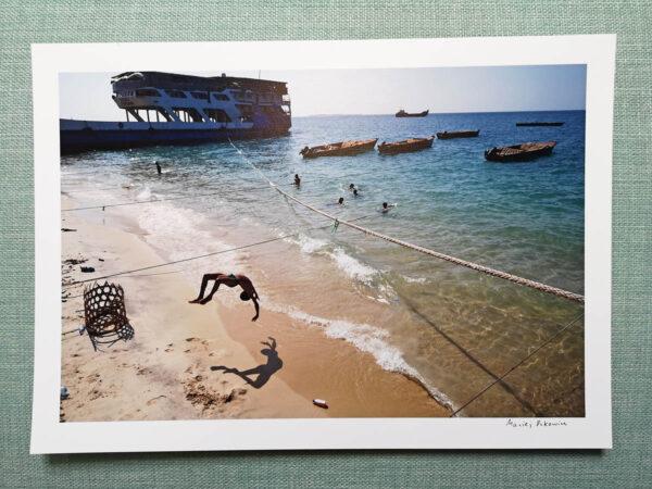 maciej_dakowicz_print_art_sale_a4_tanzania_zanzibar_jump_01