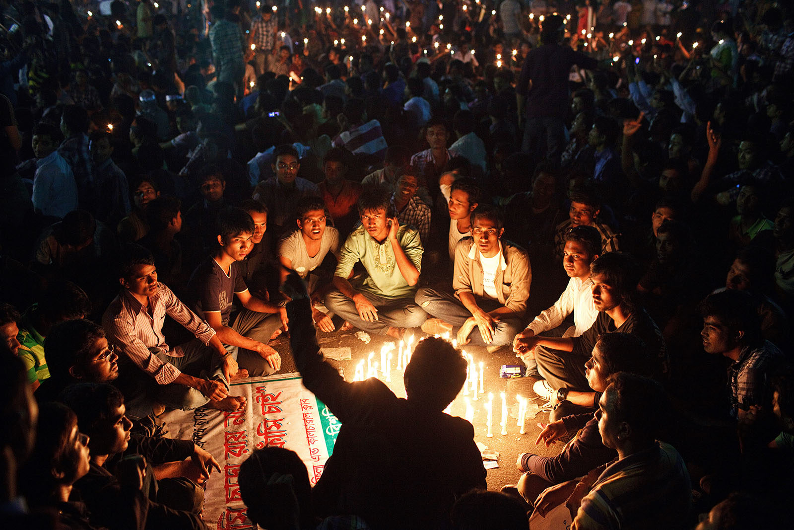 bangladesh_dhaka_shahbagh_Shahbag_deomonstration_protest_rally_night_young_people_2013-1600x1067.jpg